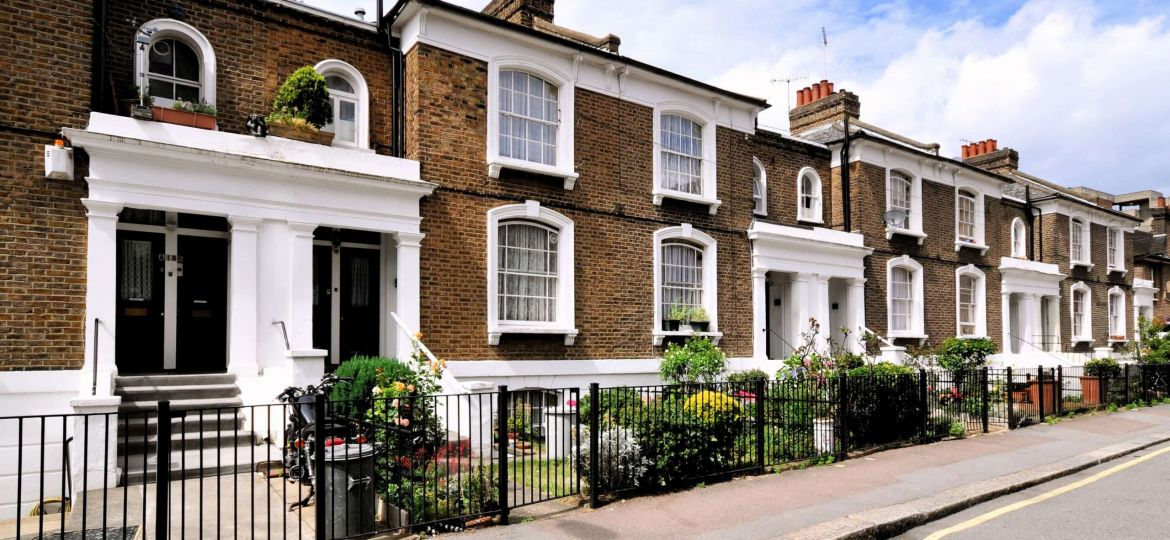 NEW-BUILD BUY TO LET PURCHASE FOR FOREIGN NATIONAL FIRST TIME BUYER